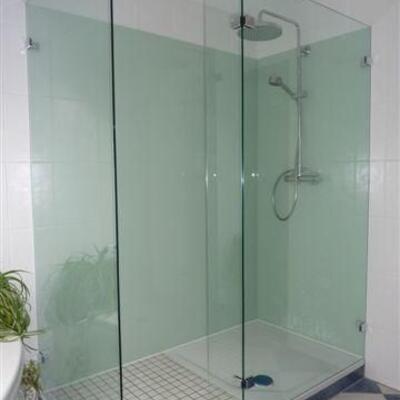 3 - teilige Dusche + Rückwand