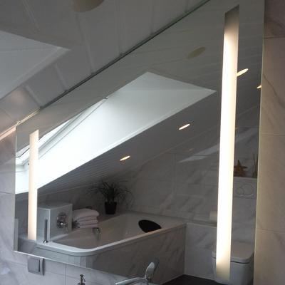 Spiegel + Sandstrahlung und hintere Beleuchtung